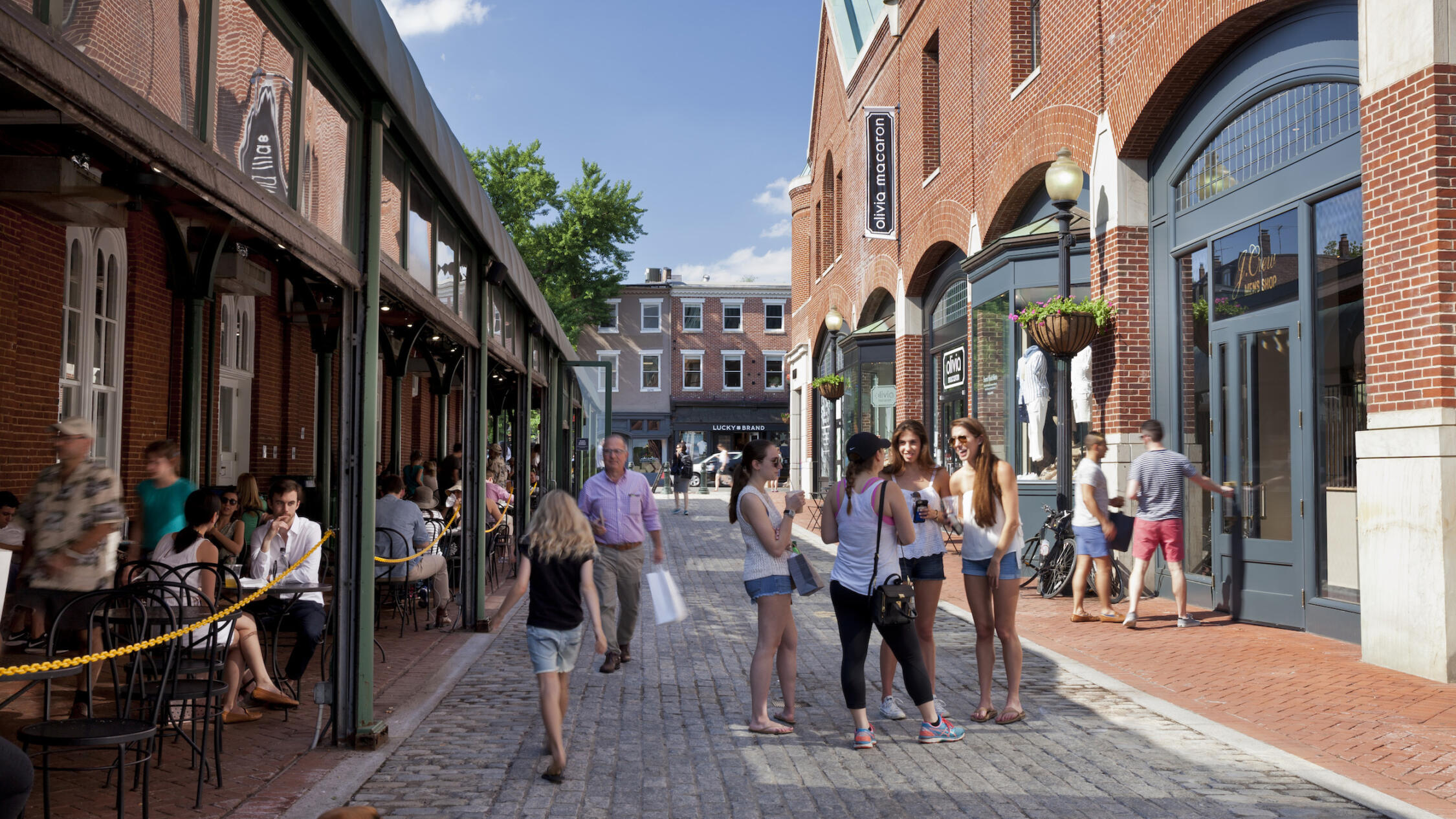 Georgetown Park pedestrian street lined by shops and restaurants